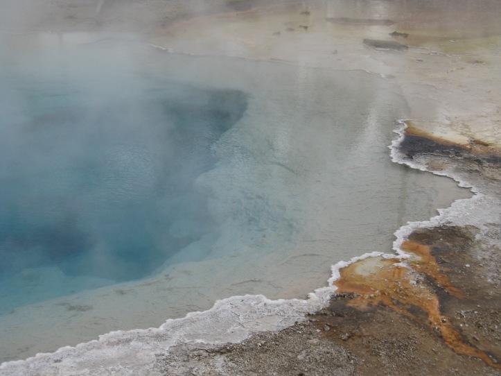 Yellowstone Cauldron   Boiling Lakes